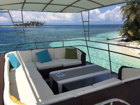 upper deck on 78ft rowley marine yacht charter in panama