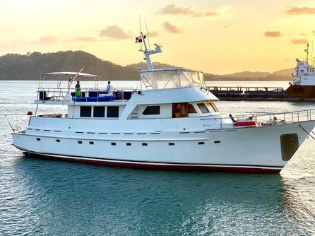 78ft rowley marine yacht charter in panama