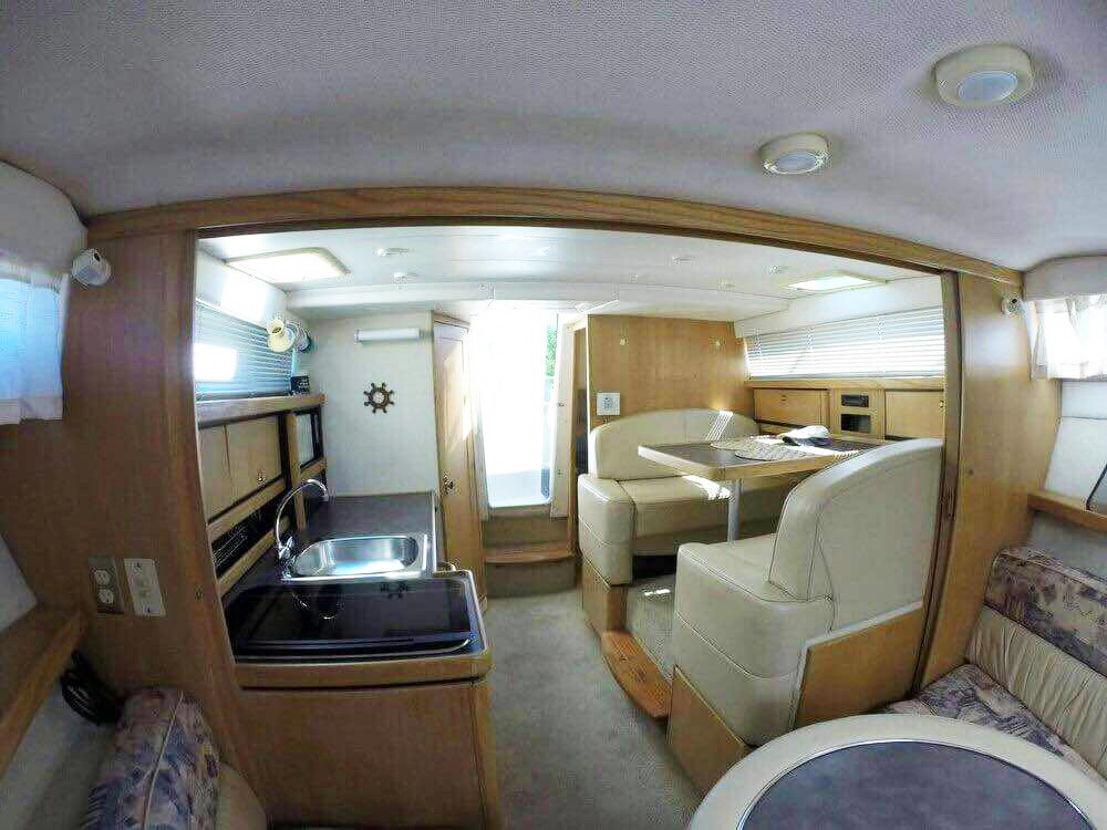 interior of bayliner for rent in panama