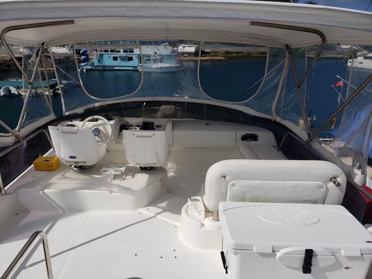 48ft azimut top deck in panama