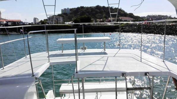 upper deck of 50ft defever boat rental in panama