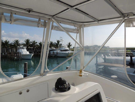 top deck of 38ft luhrs in panama
