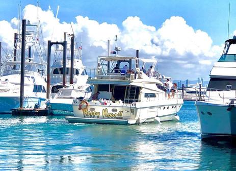 stern view of 65ft ferreti boat rental in panama