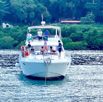 bow view of 65ft ferreti boat rental in panama