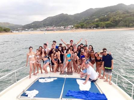 party on 65ft ferreti boat rental in panama