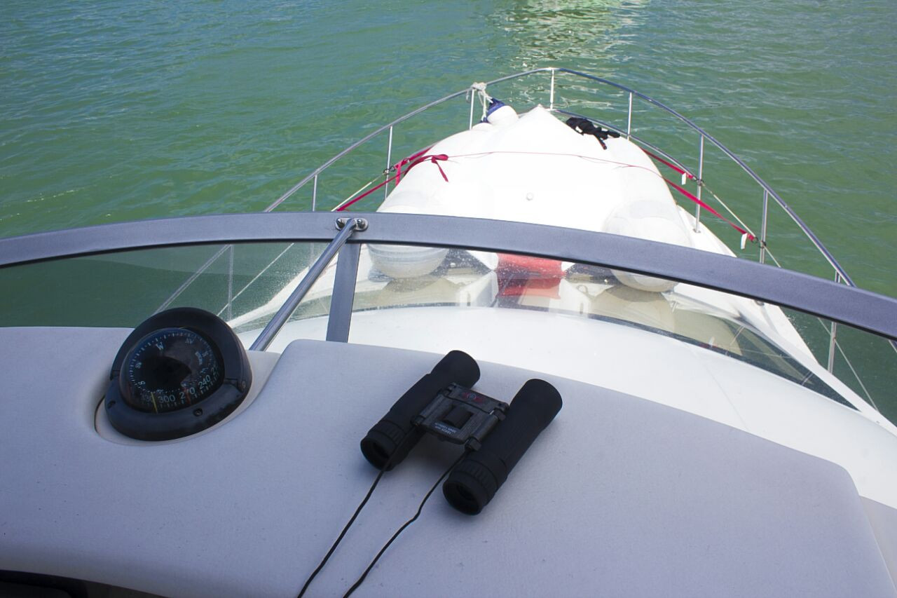 view of bow of 40ft sea ray in panama