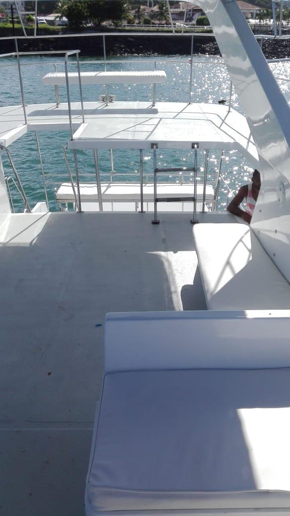 upper deck of 50ft defever for rental in panama