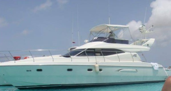48 Azimut boat rental in panama