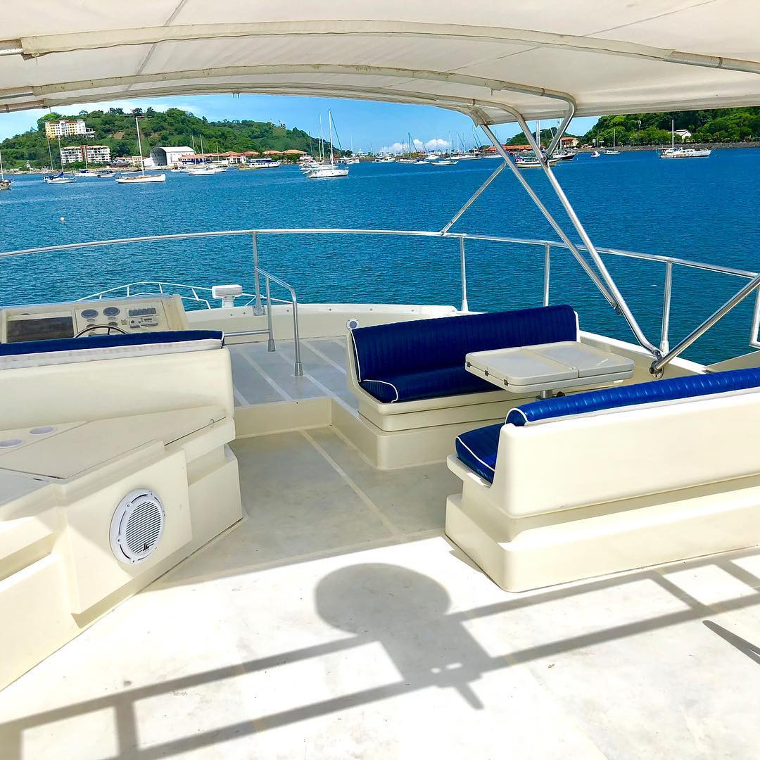upper deck of 65ft ferreti boat rental in panama