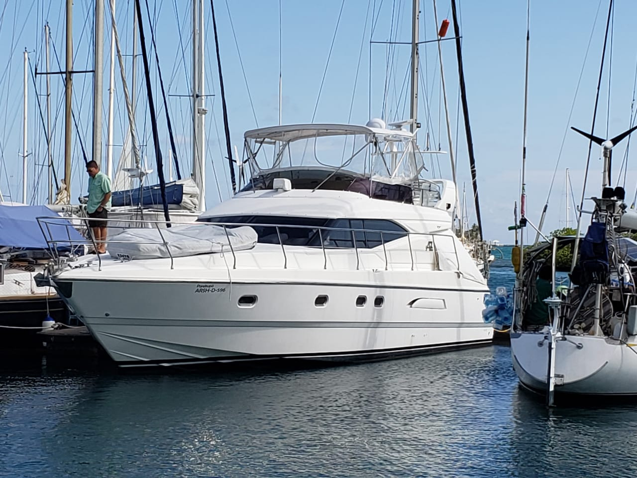 48ft azimut for charter in panama