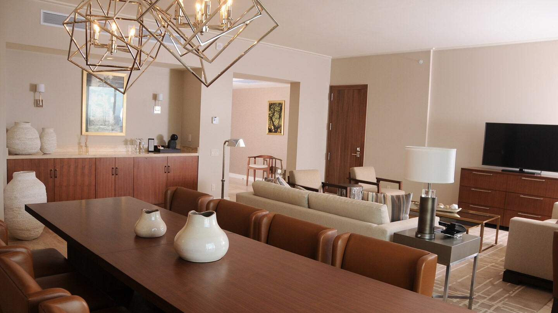 ptylc-suitediningroom-livingroom-4683-ho