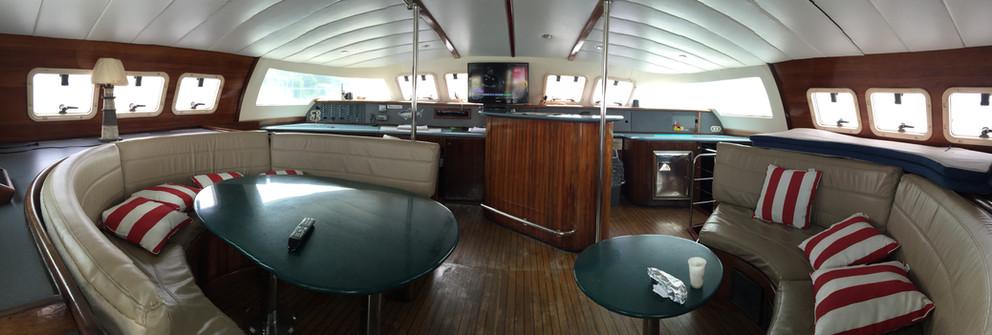 Vista interior del alquiler de catamarán fountaine pajot de 57 pies en panamá