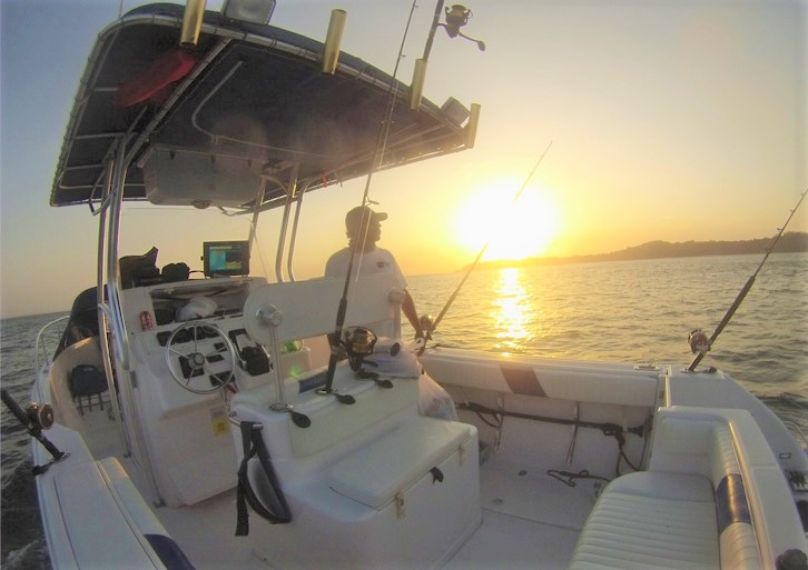 fishing charter in panama on 27ft proline