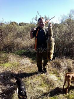 Isaac Amor con un enorme zorro