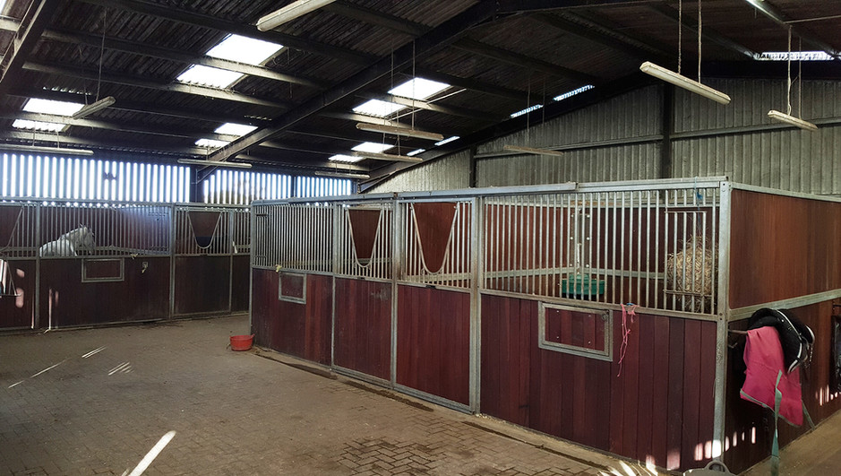 Full Livery Indoor Stables