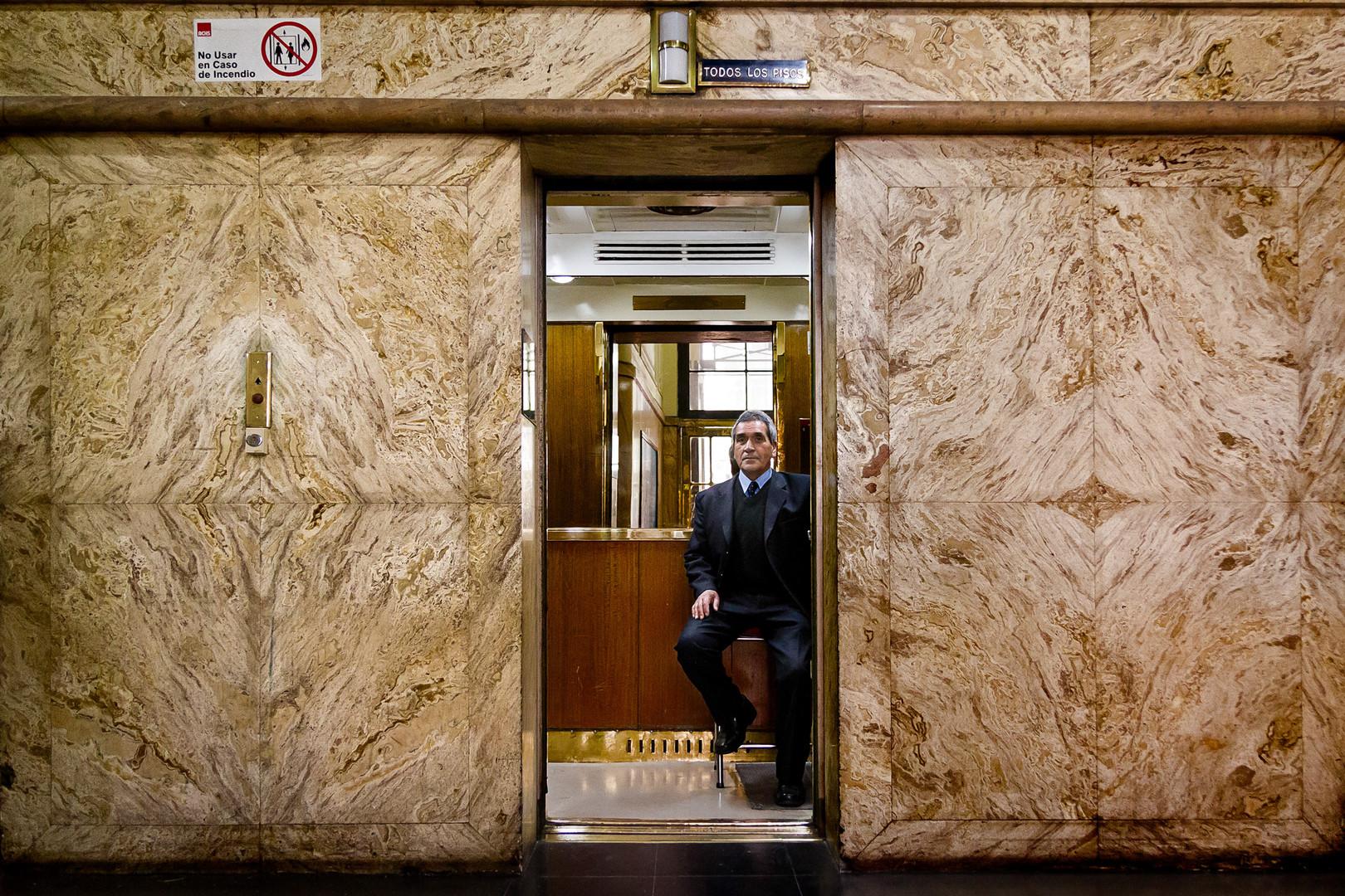 El hombre del ascensor