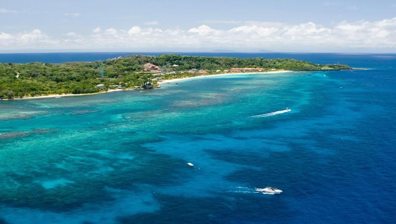 cruise-to-isla-de-roatan-honduras.jpg