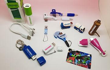 USB&POWERBANKS.jpg