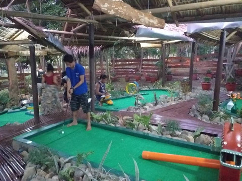 Activities: golf course