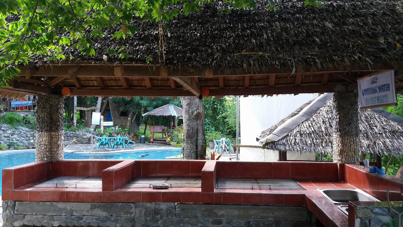 BBQ area 2 & Pool.jpg
