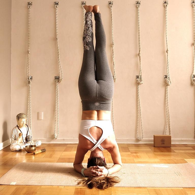 Clase especial Yoga Iyengar posturas invertidas
