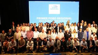 Coordinamos las mesas de instituciones y de emprendedores en el Foro Regional