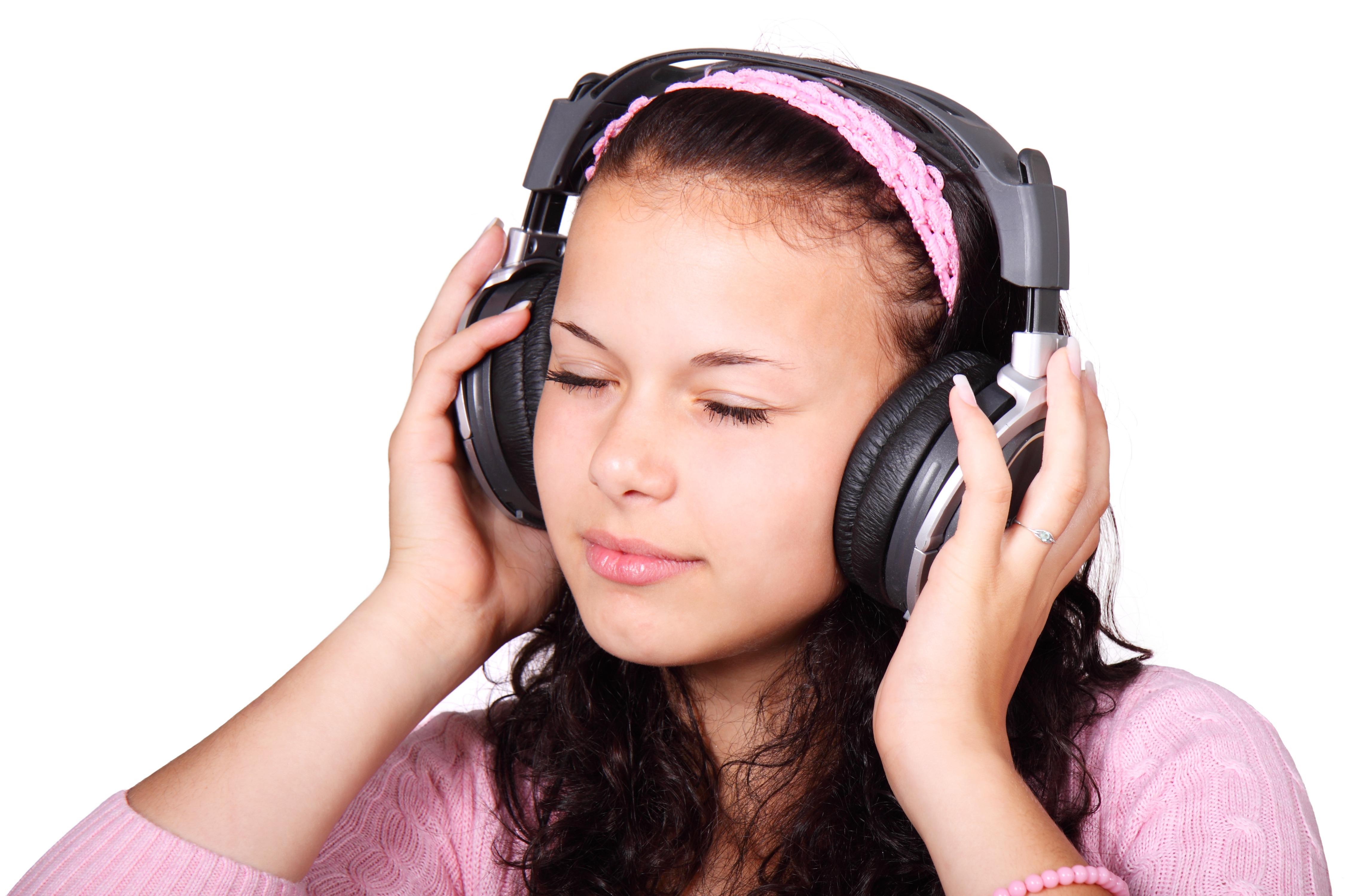 listening_to_music_187493.jpg
