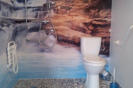 salle d'eau PMR