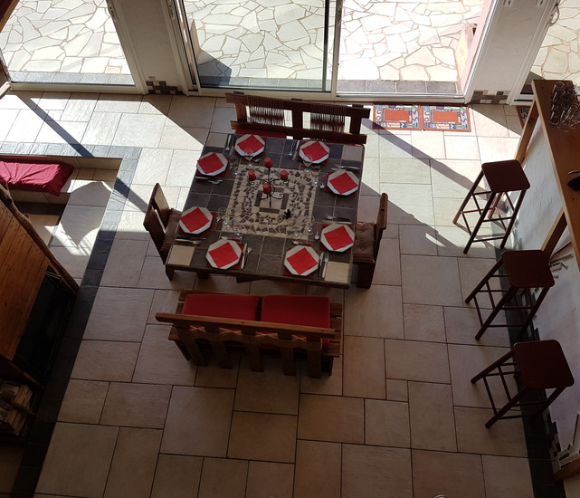 salle à manger vue de étage.jpg