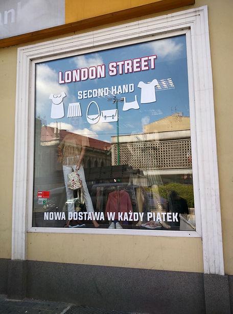 wyklejanie witryn sklepowych wreśnia