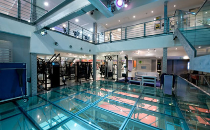 Rock climbing life on the edge at third space gym thefitttest for Chlorine free swimming pool london