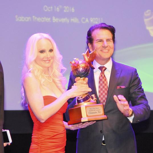 donna vincent peace award BHC.jpg