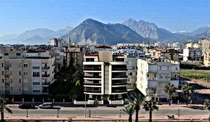 مجمع سكني ببناء واحد و14 شقة سكنية بتصاميم معمارية فريدة