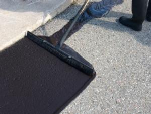 Asphalt-Sealing-vs.-Sand-Slurry-Sealcoat