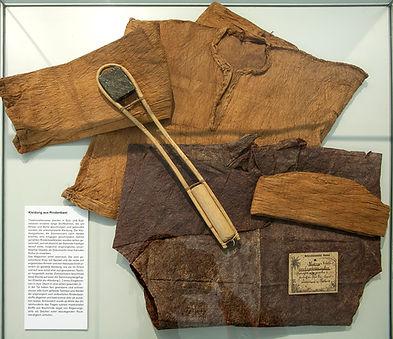 Museum-heiden-fremde-welten-Vitrine-001.