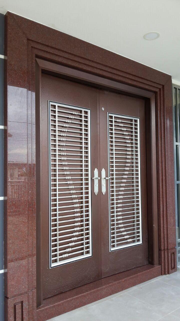 Imperial Red Door Frame 1