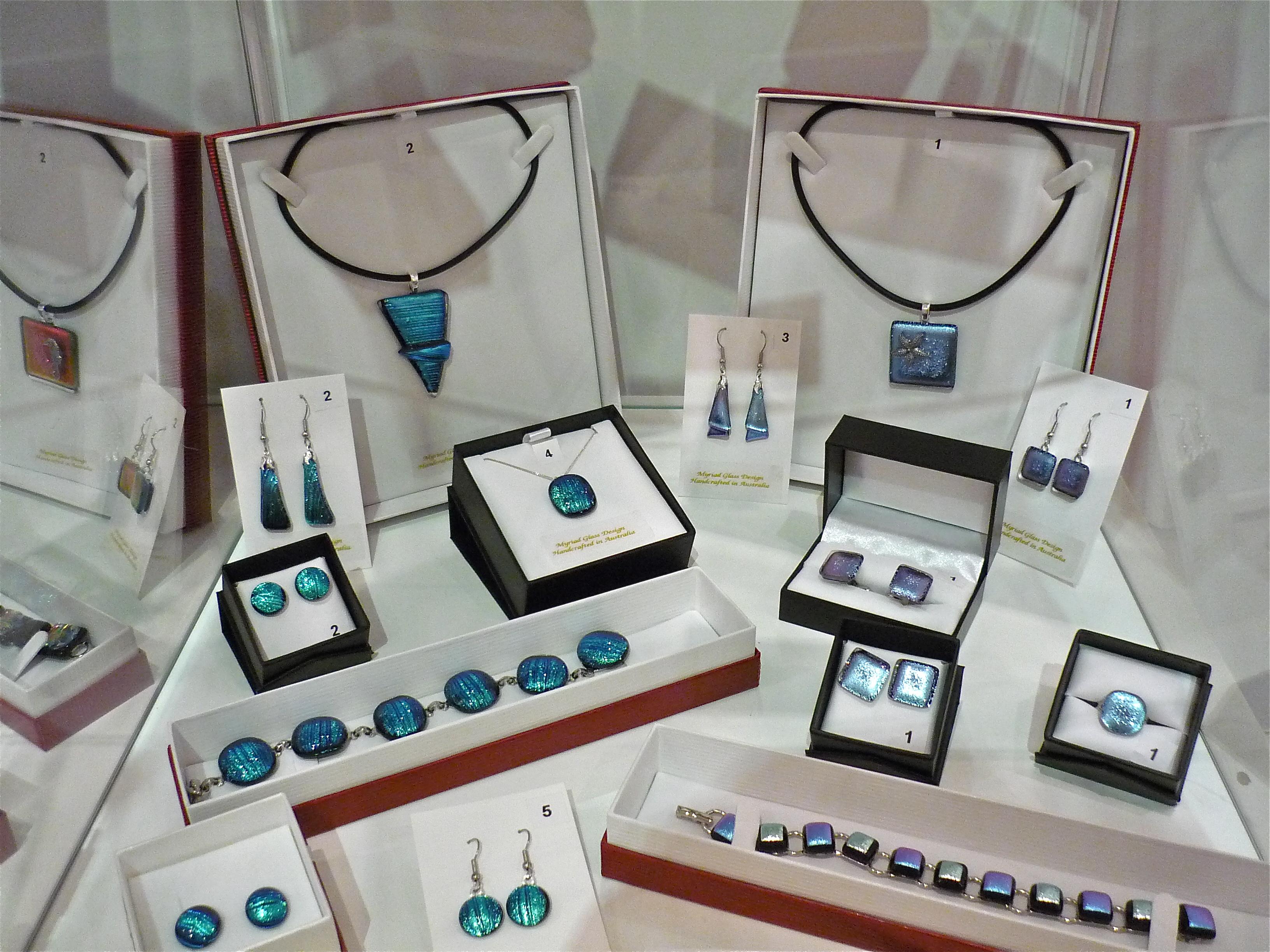 Pendant earrings Bondi Blues 2