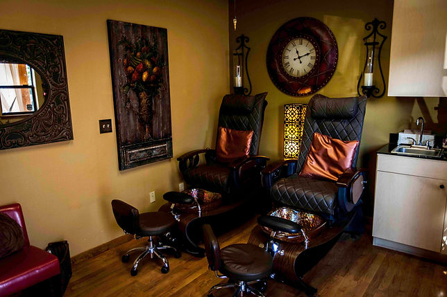 Salon Auburn CA Vineyard Salon Spa Facial Manicure Pedicure  Hair cut Make-up