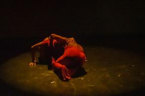Pratt InstitutePerformance and Performance Studies Thesis Performance Festival, Dixon Place, 紐約市 New York City  表演者 Performer|江峰 Jiang Feng、Reginald Webber Jr. 攝影 Photography|Erik McGregor  二零一九年三月 201903