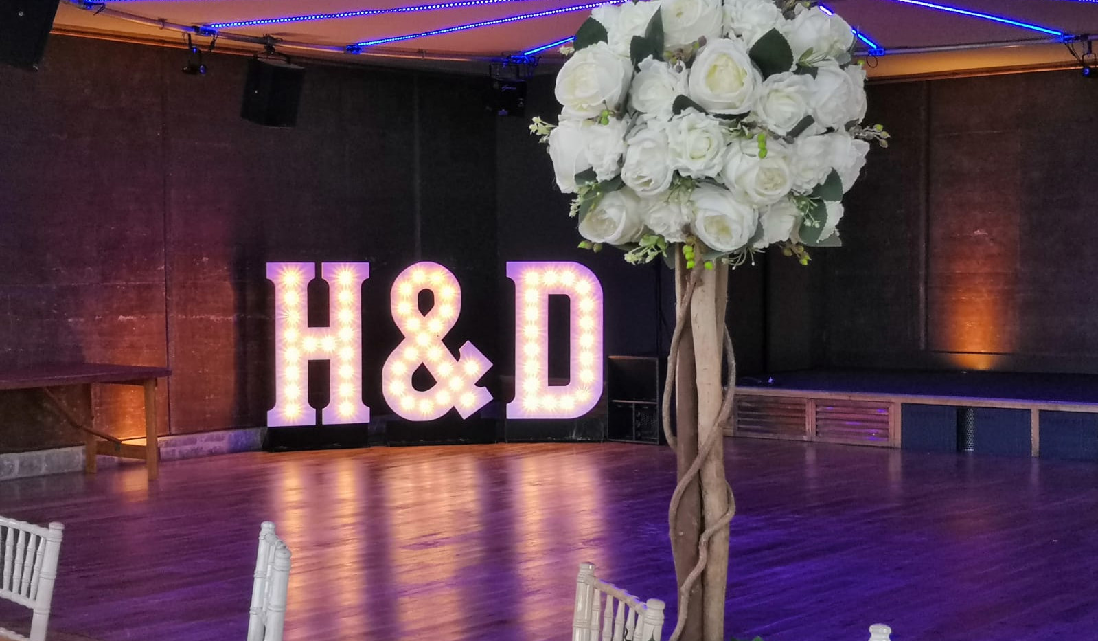 Rose Ball Rustic Centrepiece - Weddings & Events