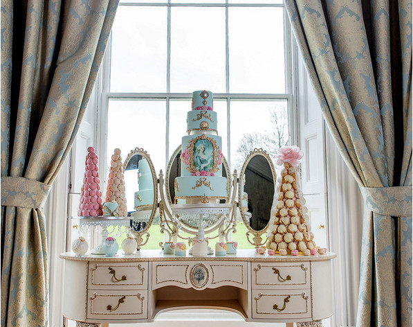Vintage French Dressing Cake Table