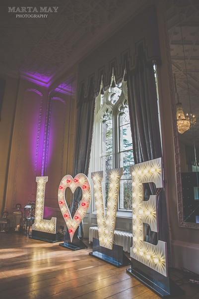 L♡VE Letter Lights / Light Up Love Letters