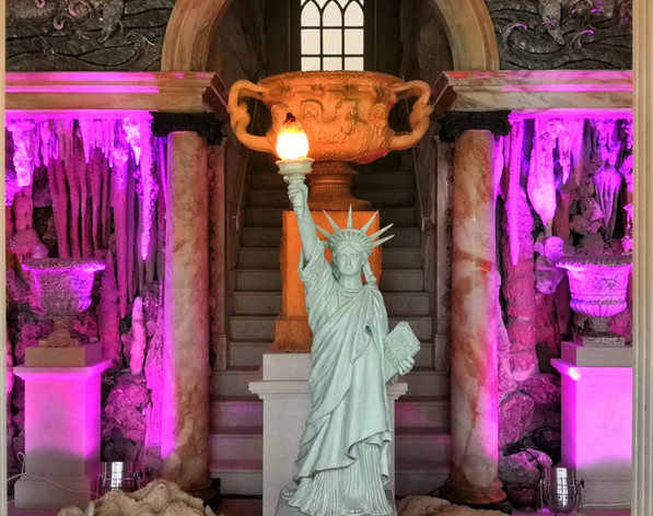 Statue of Liberty Light Up Prop Hire Decoration