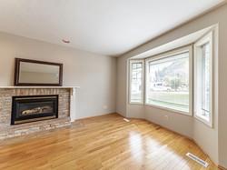 Bay Window/Hardwood Floors