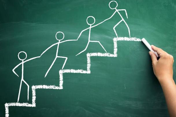 Como atrair clientes na advocacia usando 4 estratégias de baixo custo e alto impacto