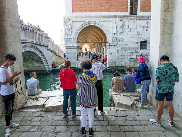b37 Tourists Venice Reality 2.jpg