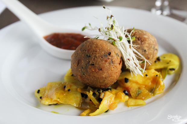 Shanti-Taste-of-India-Falafel-Bonda