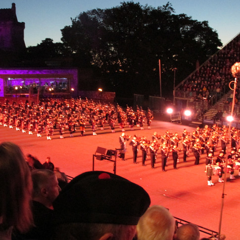 The Mssed Pipes and Drums of the 2018 Royal Edinburgh Military Tattoo joined by Hjialtbonhoga, the shetland fidlers
