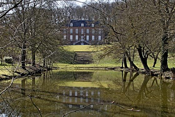 Mesn Maison Mesnil s Vienne 01.jpg