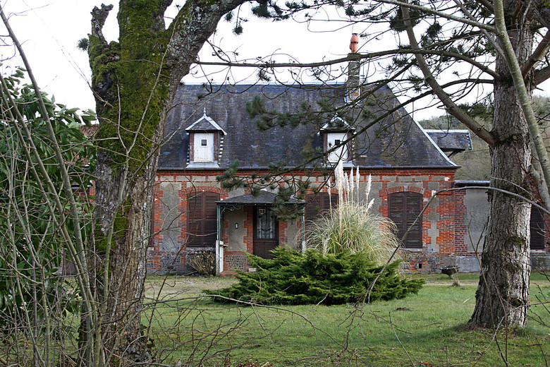 Mesn Maison Mesnils s Vienne 01.jpg